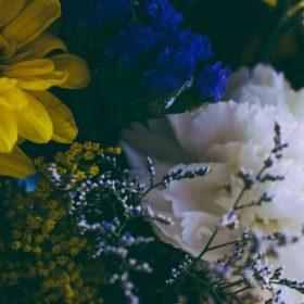 a mixed flower bouquet